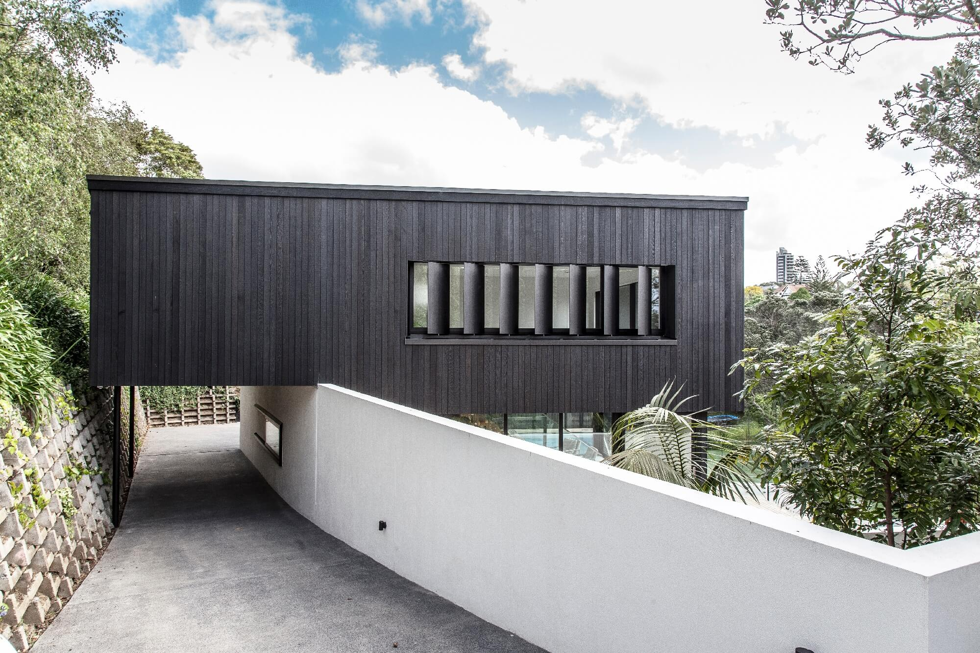 What are the different types of louvres available in NZ?