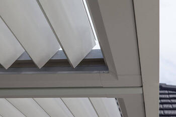 Operable louvre blades - Cromwell Residence