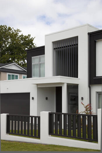 Decorative louvre panel - Swindon Close