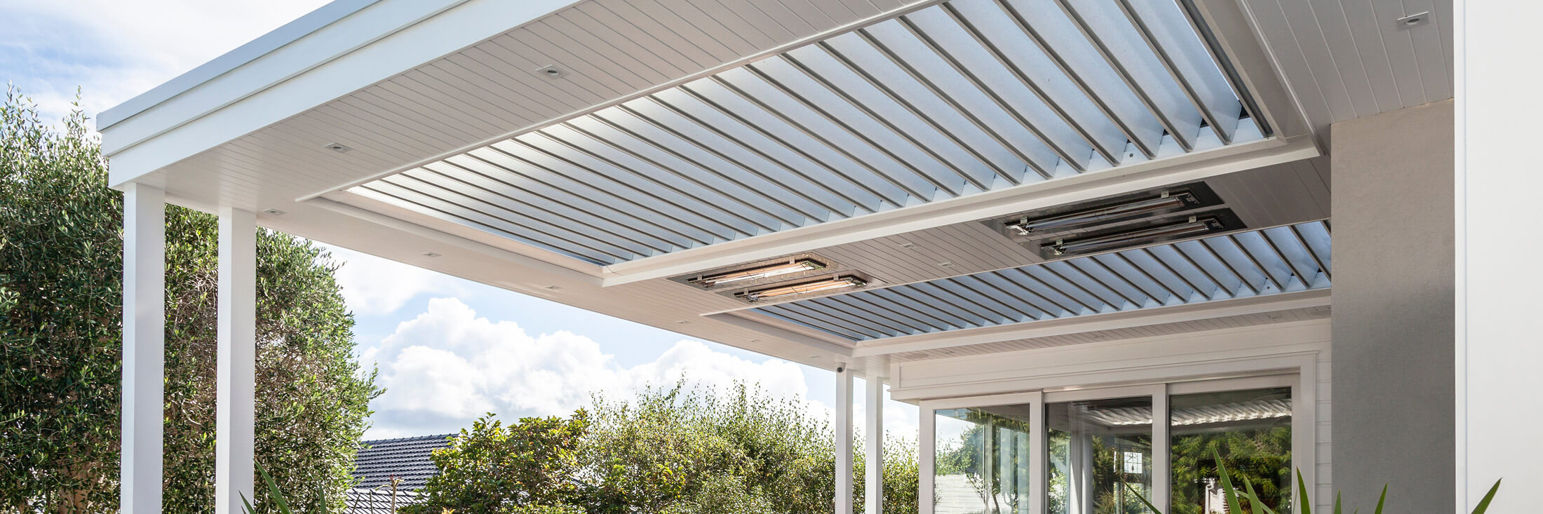 Aurae's operable louvre roof system