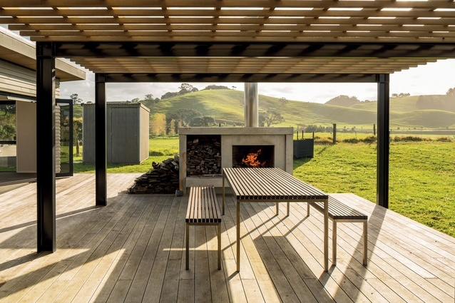 Bringing open plan living to this Kiwi outdoor living space.