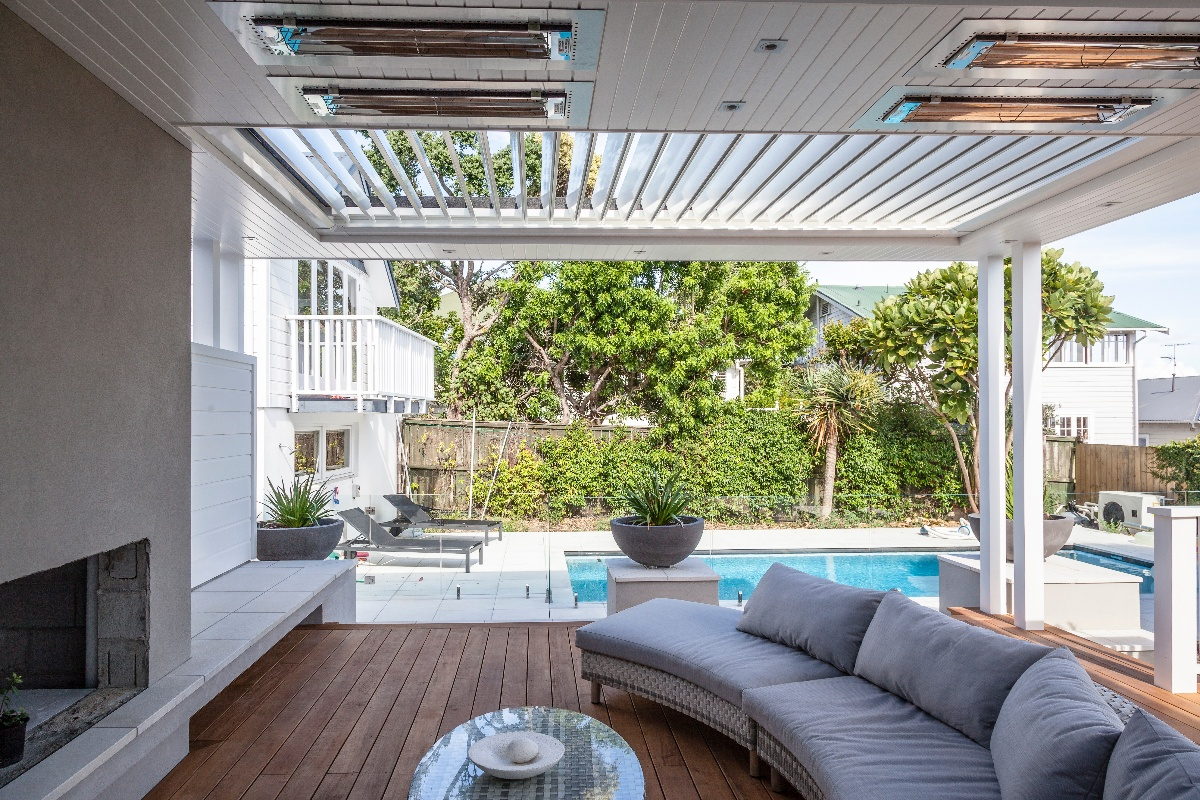 Louvres used in an outdoor room