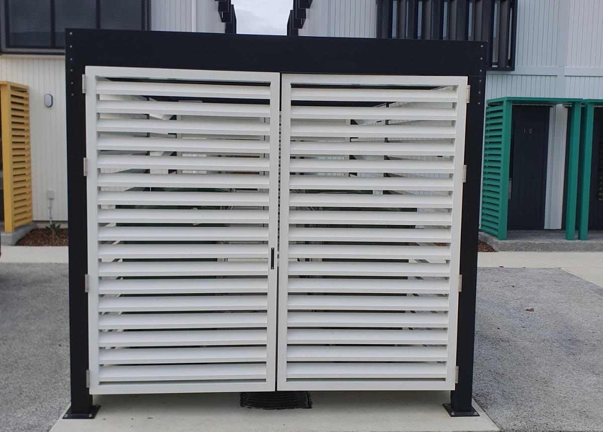 Closed bin screens