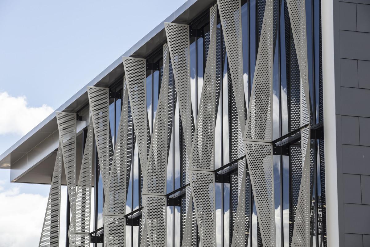 dapple perforated screen