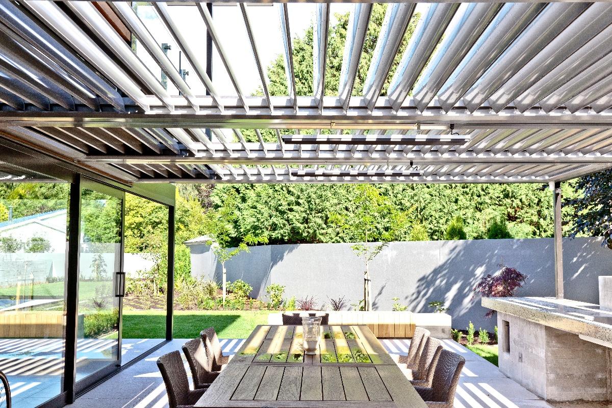 Aluminium opening louvre roof