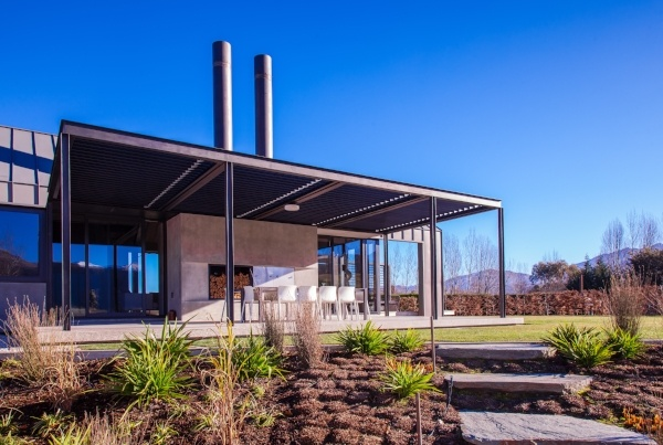 Arrowtown residence opening roof