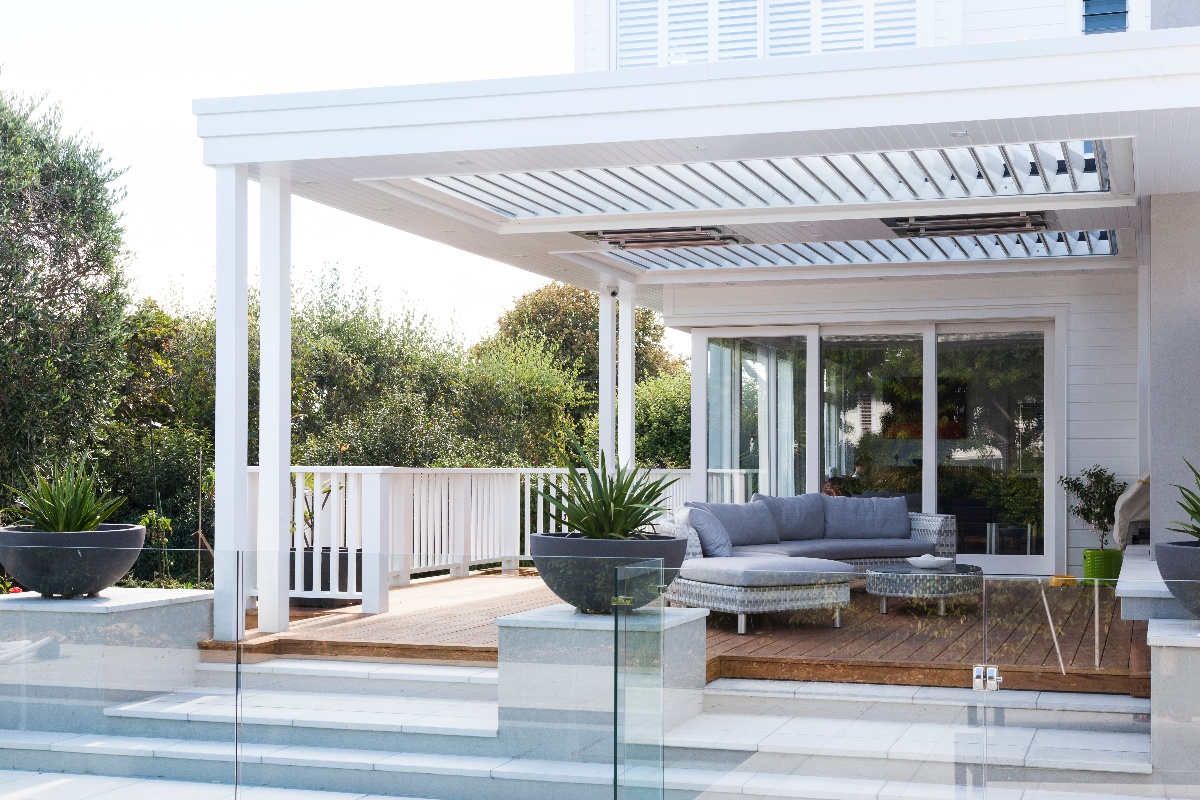 Opening louvre roof in outdoor entertaining area
