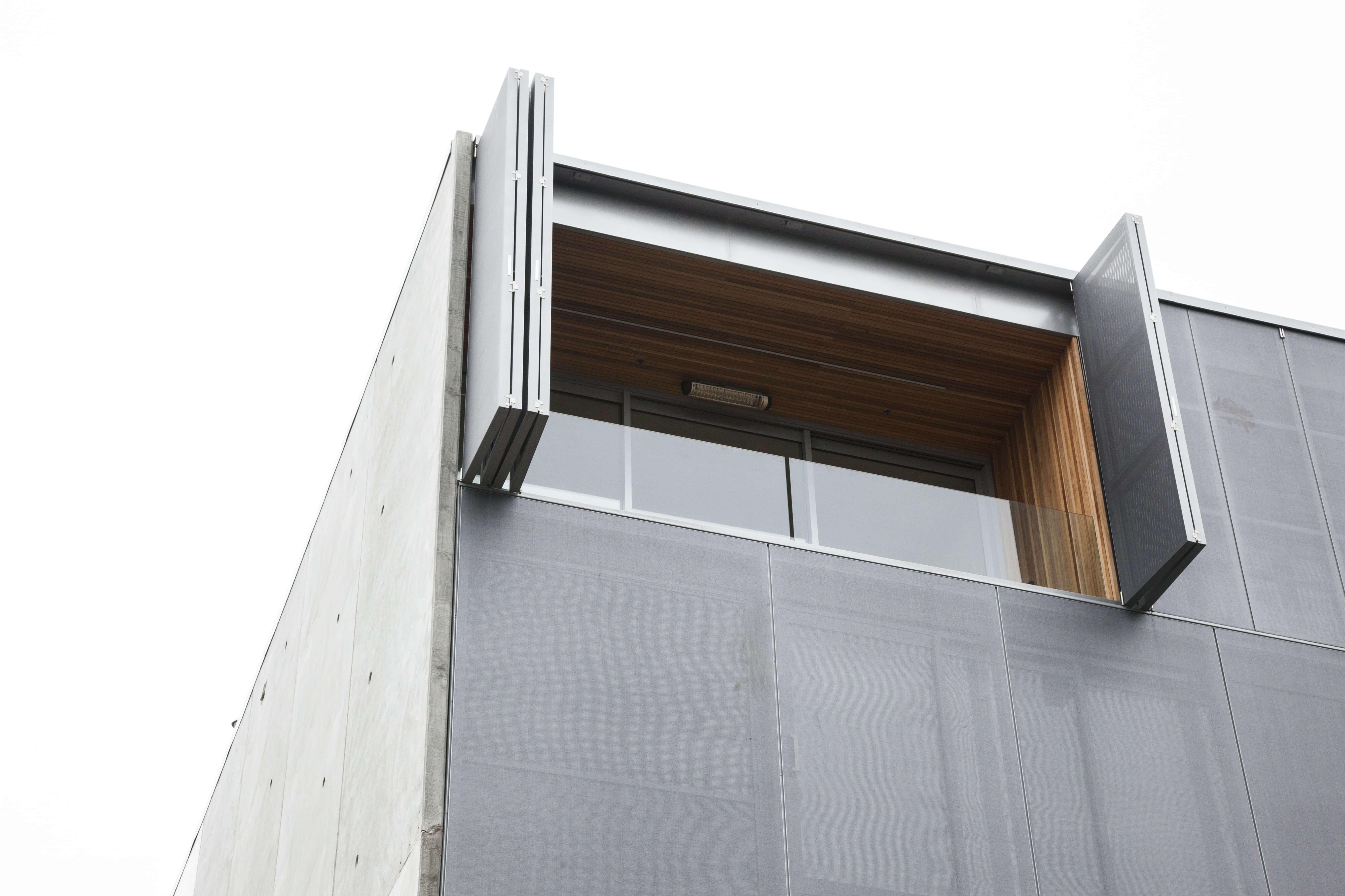 Aurae bi-fold shutters